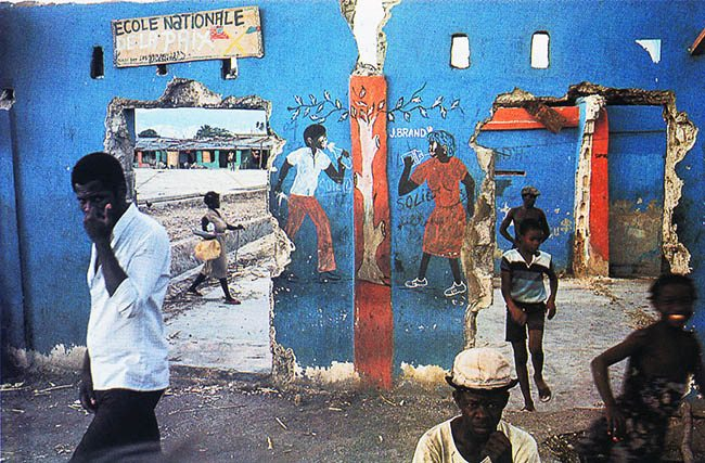 Street-scene-in-Haiti-©-1986-by-Alex-Webb