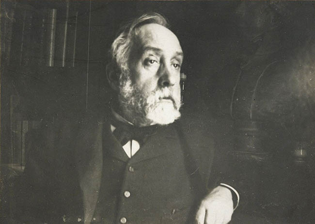 1280px-Edgar_Degas_self_portrait_photograph
